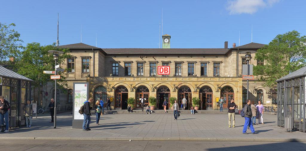 Bahnhof erlangen sichtbar unsichtbar - Architekt erlangen ...
